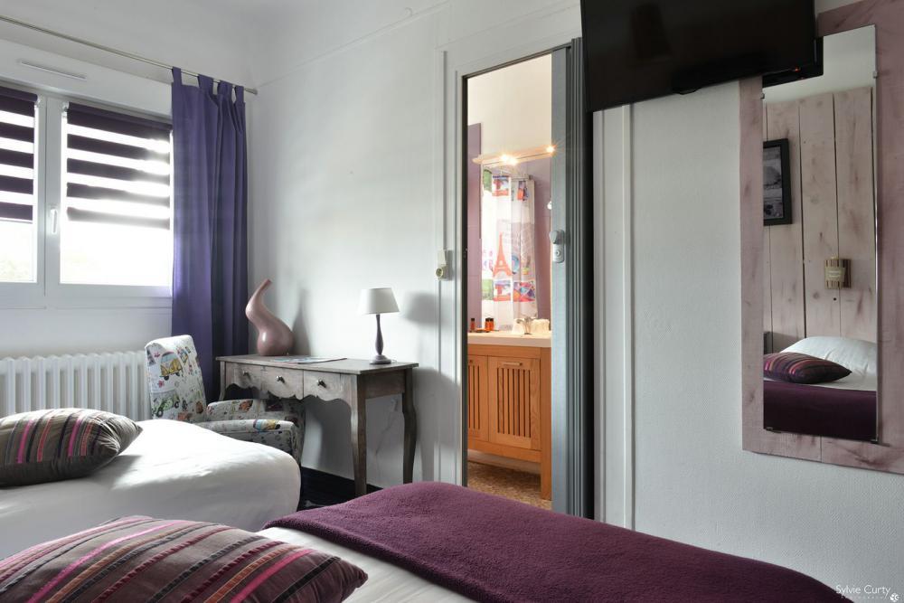Fouras contact the hotel la roseraie near la rochelle for Fouras hotel